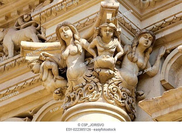 Statues at the Santa Croce baroque church in Lecce