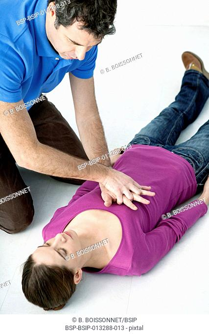 First aid techniques. In case of cardiac arrest, chest compressions and artificial respiration must be performed