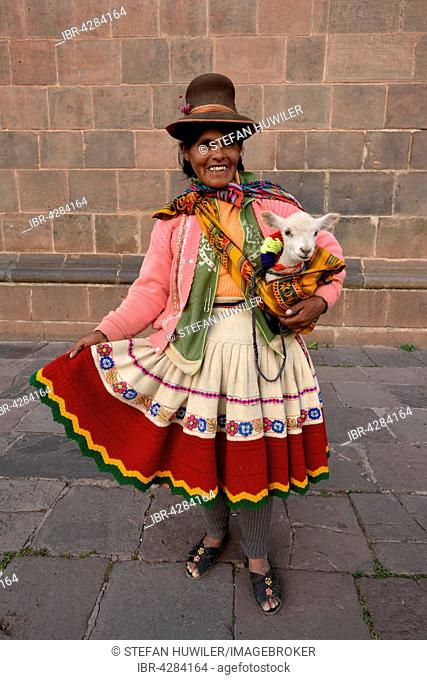 Peruvian woman in traditional costume, Cusco, Peru