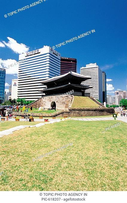 NamdaemunSouth Gate, National Treasure No 1,Seoul,Korea