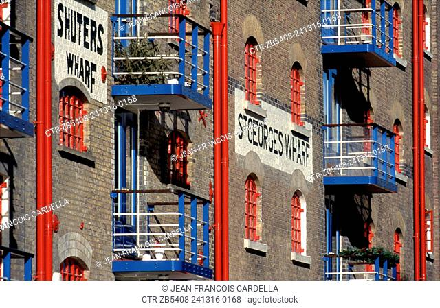 Dockland warehouse reconverted in expensive flats, close to Tower Bridge, London