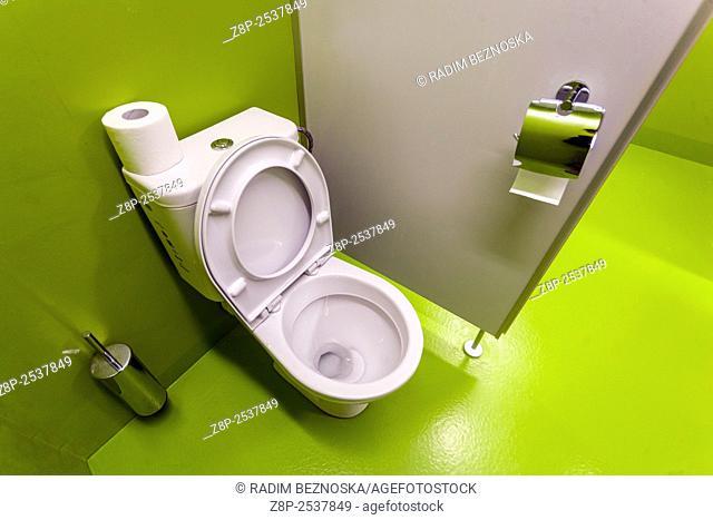 Toilet in green