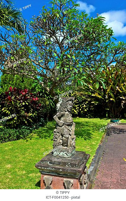 Indonesia, Bali, Kungkung, old king's palace, statue