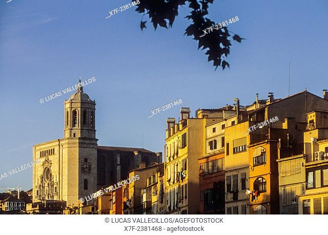 Onyar river, in background at left Catedral belfry,Girona,Catalonia, Spain