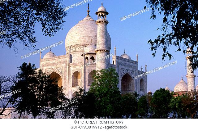 India: The Taj Mahal, Agra, Uttar Pradesh