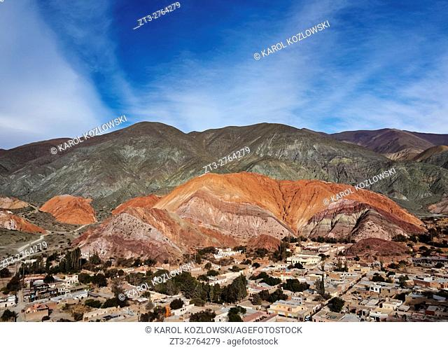 Argentina, Jujuy Province, Purmamarca, Elevated view of the town and the Hill of Seven Colours(Cerro de los Siete Colores)