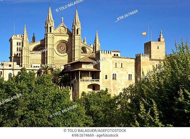 Spain, Balearic islands, Palma of Majorca, Clear sky over Palma Cathedral