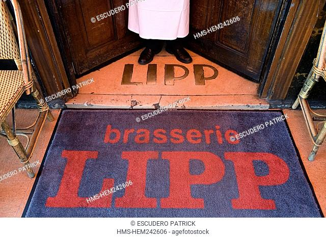 France, Paris, Saint Germain des Pres District, entrance of the Brasserie Lipp