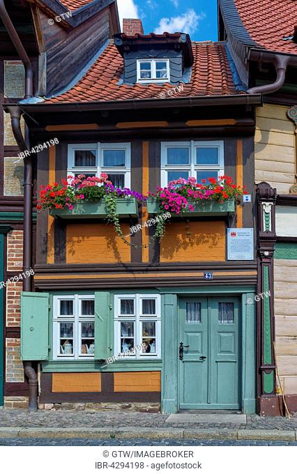The smallest house in town, built in 1792, Wernigerode, Harz, Saxony-Anhalt, Germany