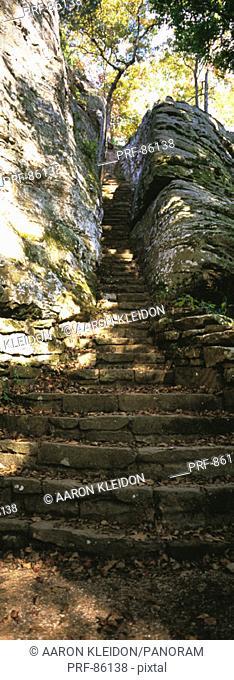 Hiking Trail Bellsmith Springs IL