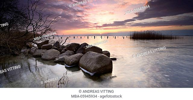 Germany, Mecklenburg-Western Pomerania, close Rechlin, sundown on the east shore of the Müritz, erratics, nature harbour