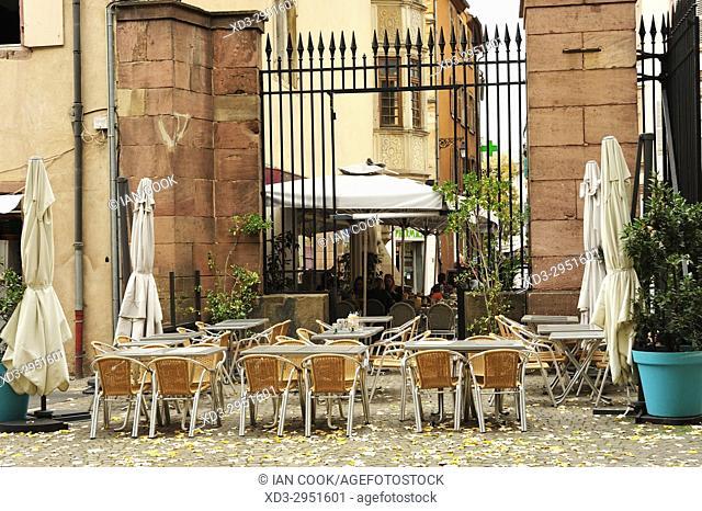 outdoor restaurant, Colmar, Haut-Rhin department, Alsace, France