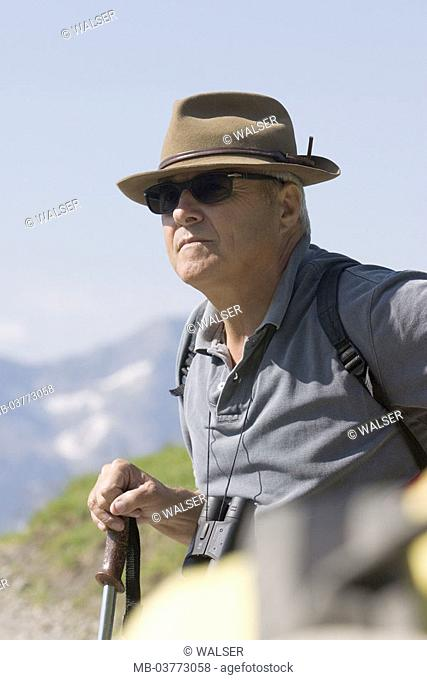 Senior, traveling stick, binoculars,  Sun glass, hat, outlook, portrait,  Men's portrait, man, hikers, 60-70 years, sprightly, fit, vital, nimbly, well Age