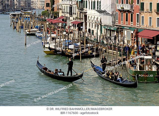 Canale Grande, from the Rialto Bridge, view to San Silvestro, district San Polo Venice, Venezia, Italy, Europe