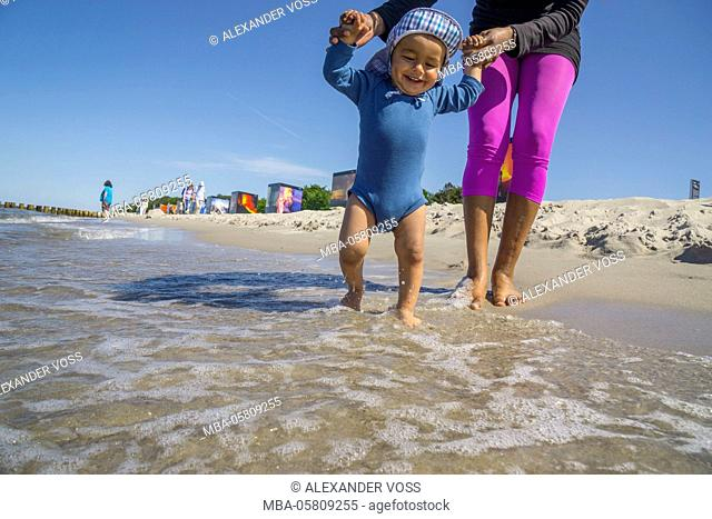 mother and child, happy, beach, sunshine
