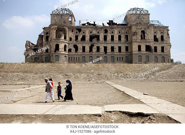 Darul Aman Palace Kabul Stock Photos And Images Age Fotostock