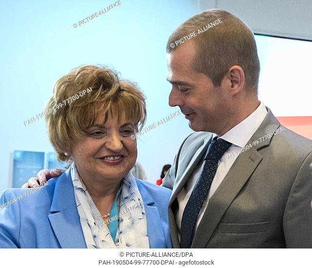 04 May 2019, Thuringia, Erfurt: Mike Mohring, CDU state chairman of Thuringia, stands next to Birgit Diezel (CDU), president of the Thuringian state parliament