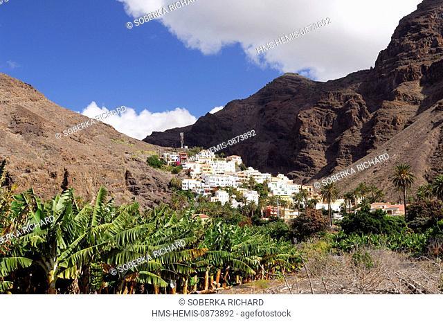 Spain, Canary Islands, La Gomera, Valle Gran Rey, white houses of the La Calera Village