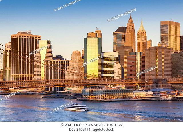 USA, New York, New York City, Brooklyn-Dumbo, Brooklyn Bridge and Lower Manhattan, dawn