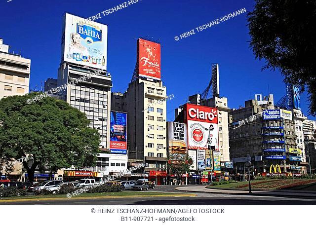 Stadtzentrum hier an der Straße Av  9 fe Julio von Buenos Aires, Argentinien / City center, Avenida 9 de Julio avenue, Buenos Aires, Argentina, South America