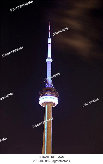 The CN Tower illuminated at night in Toronto, Ontario, Canada. - TORONTO, ONTARIO, Canada, 14/11/2014