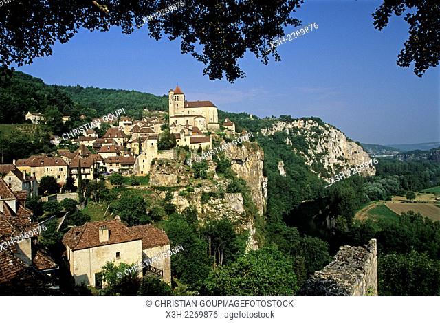 Saint-Cirq-Lapopie overlooking the Lot River, Lot department, Midi-Pyrenees region, France, Europe