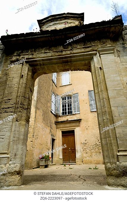 Stone Gate in the medieval Village Bonnieux, Provence, France