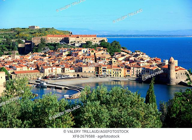 The village of Collioure, Côte Vermeille, Pyrennees orientales, Languedoc Roussillon, France