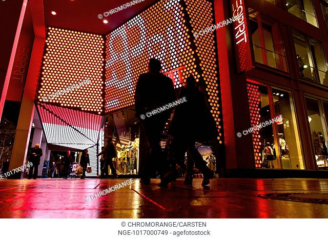 Esprit fashion zeil Stock Photos and Images | age fotostock