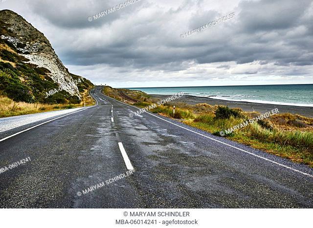 New Zealand, south island, Kaikoura, coast road, dramatic cloudy sky