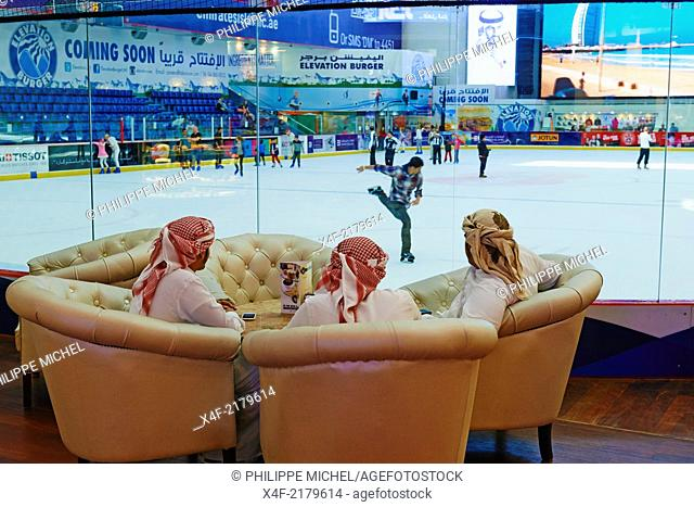 United Arab Emirates, Dubai, the Mall of the Emirates commercial center, ice rink