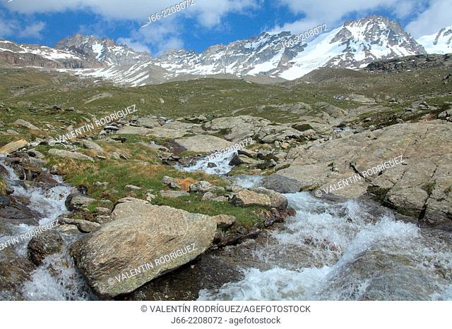 mountain scenery in the valley of Valsavarenche, upload to Chabod. Gran Paradiso peak in the left. National Park Gran Paradiso. Italy