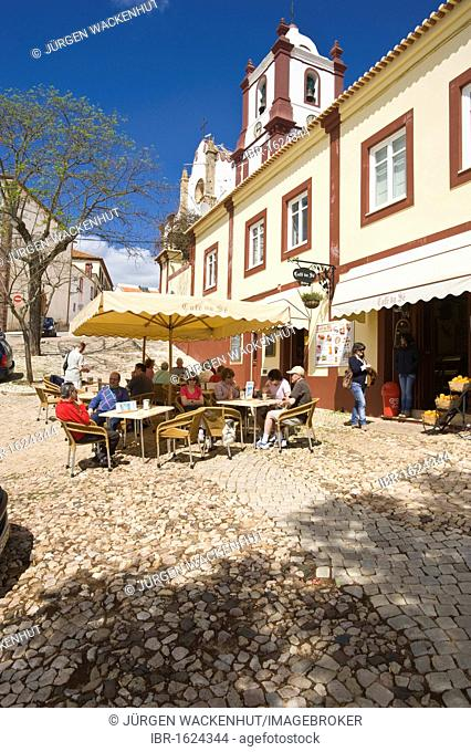 Street café near Sé Cathedral, Silves, Algarve, Portugal, Europe
