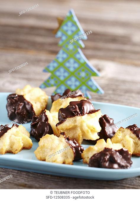 Coconut Lübeck macaroons with marzipan and chocolate glaze