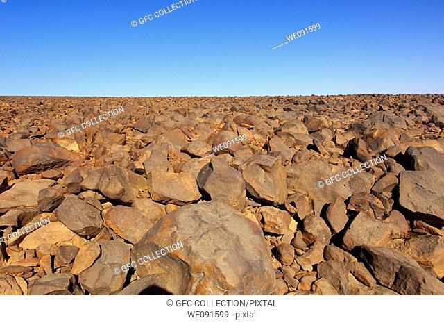 Stone-covered Hammada desert on the Mesak Settafek plateau, Fezzan, Libya