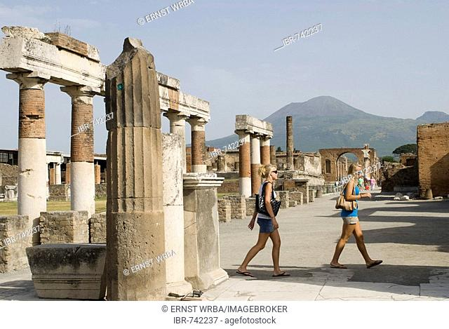 Forum, Roman excavation site, Pompeii, Naples, Campania, Italy, Europe