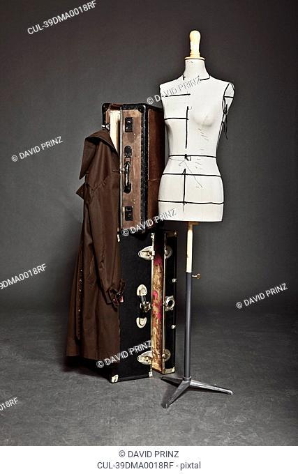 Mannequin and vintage trunks