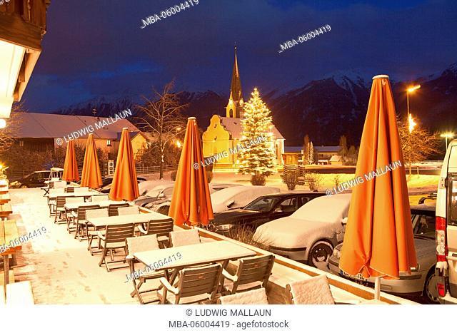 Austria, Tyrol, Mieminger plateau, Christmas mood in Obsteig (village)
