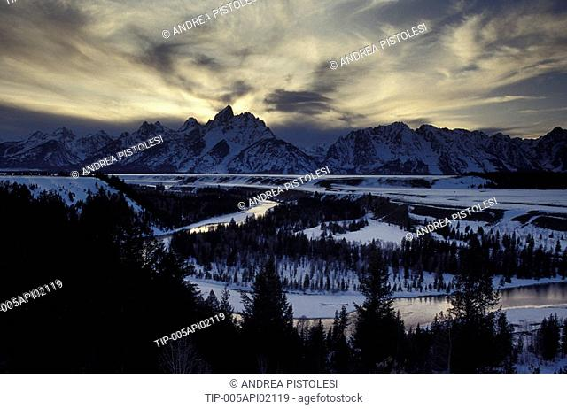 USA, Wyoming, Grand Teton N.P.. Snake River view
