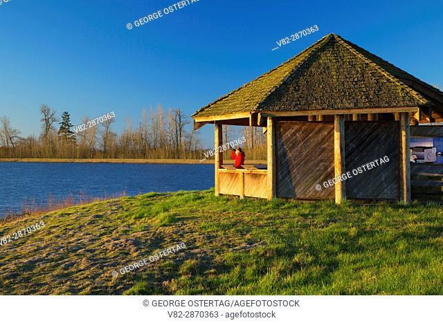 Eagle Marsh observation shelter, Ankeny National Wildlife Refuge, Oregon