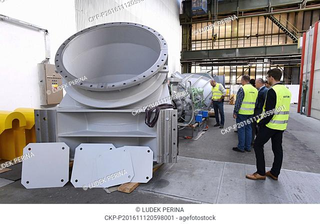 SPL Holding, the leading company within Sigma Group, recorded a cut in supplies of pumps to nuclear power plants in the Czech Republic and abroad to Kc48m last...