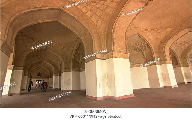 CU TU Arched interior / Sikandra, Agra, India