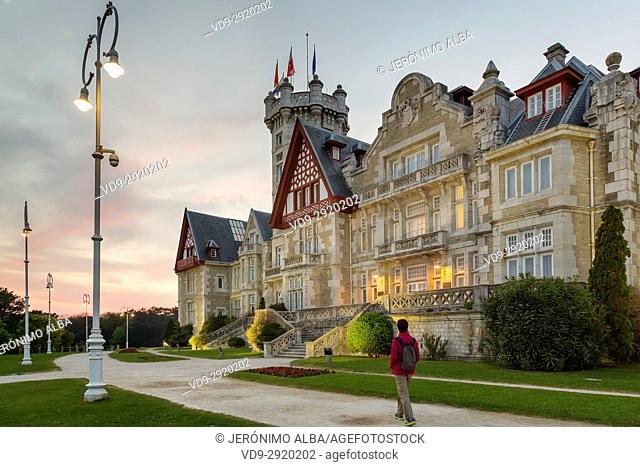 Magdalena Palace at sunset, Santander. Cantabrian Sea. Cantabria Spain. Europe