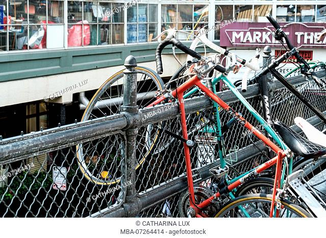 Seattle, Pike Place Market, bicycles, lack of space