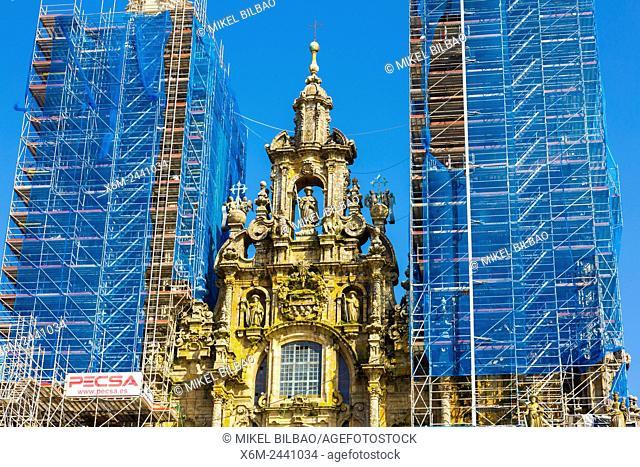 Cathedral facade seen from the Praza do Obradoiro. Santiago de Compostela. La Coruña, Galicia, Spain, Europe