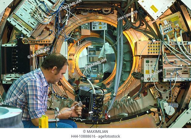 Montage eines Computertomographen