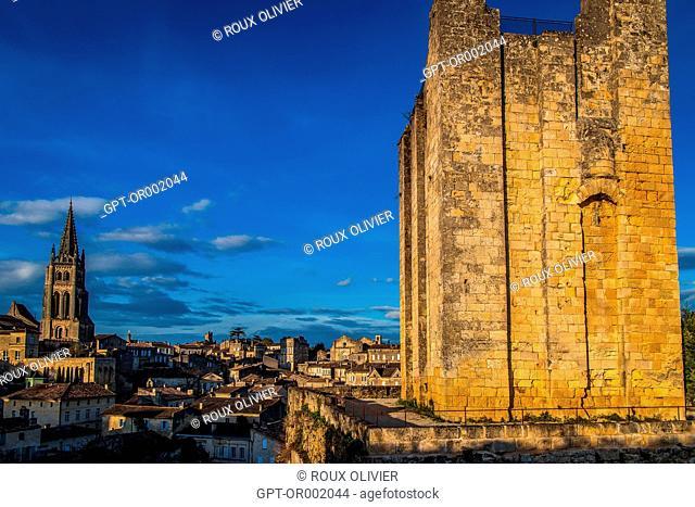 THE TOUR DU ROY KING'S TOWER, THE MONOLITH CHURCH AND VILLAGE OF SAINT-EMILION, (33) GIRONDE, NOUVELLE AQUITAINE, FRANCE