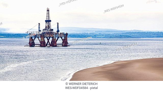 Scotland, Fife, Firth of Forth, old oil platform