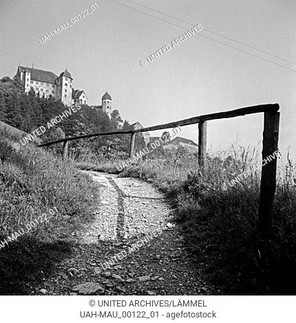 Blick auf die Burg Harburg in Schaben, Deutschland 1930er Jahre. View to Harburg castle, Germany 1930s