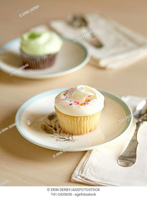 Cupcakes on plates
